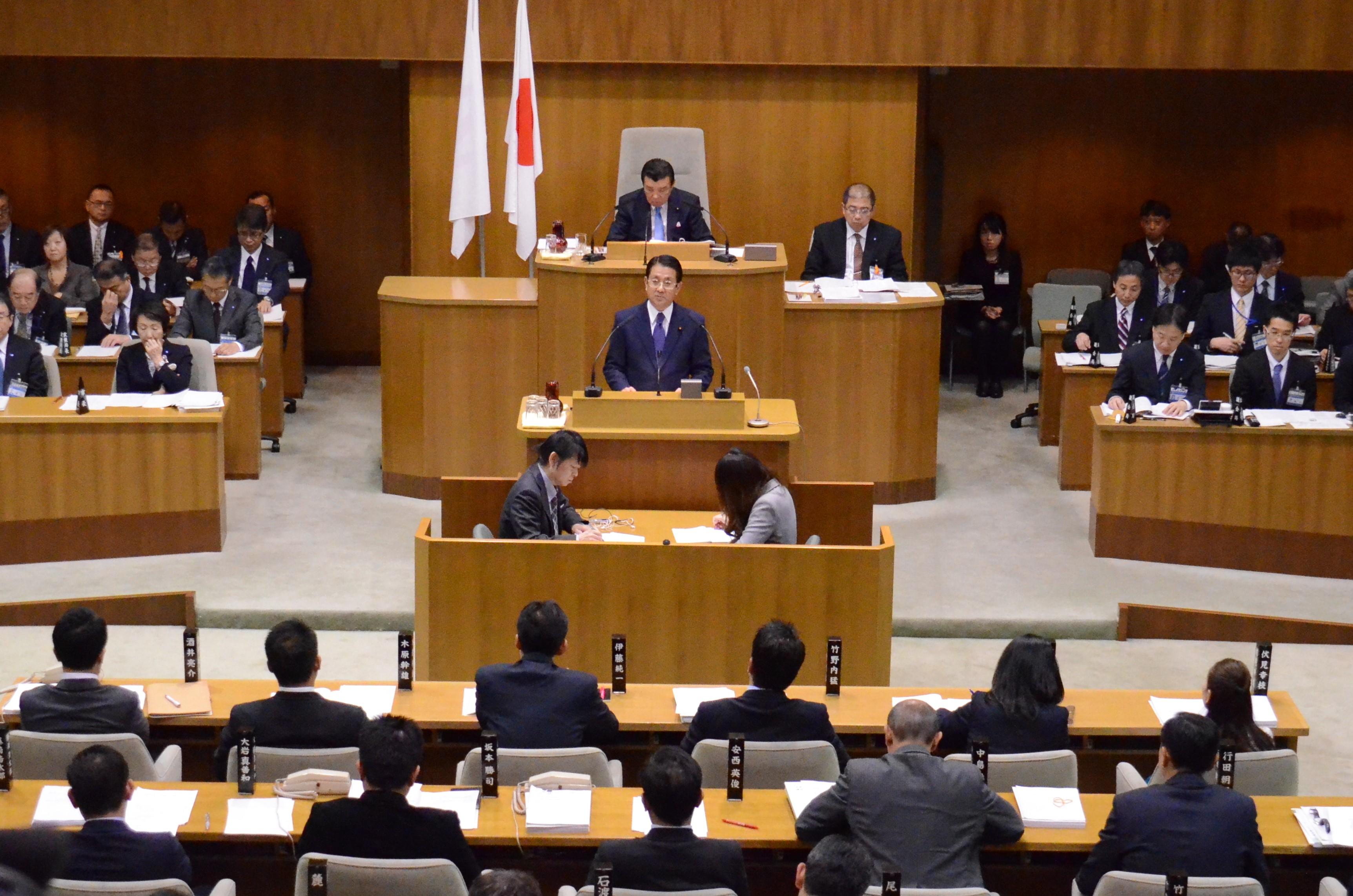 議会のあり方を市民に対して宣言 横浜市会基本条例